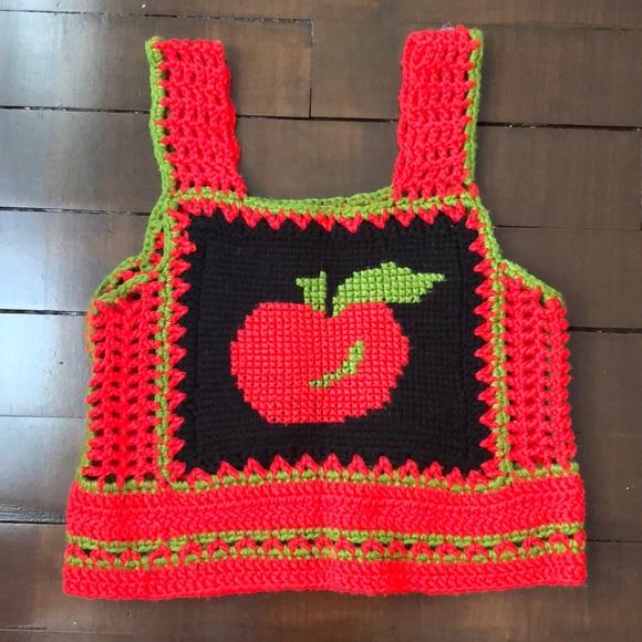 Vintage Tops - Vintage crocheted 🍎 croptop